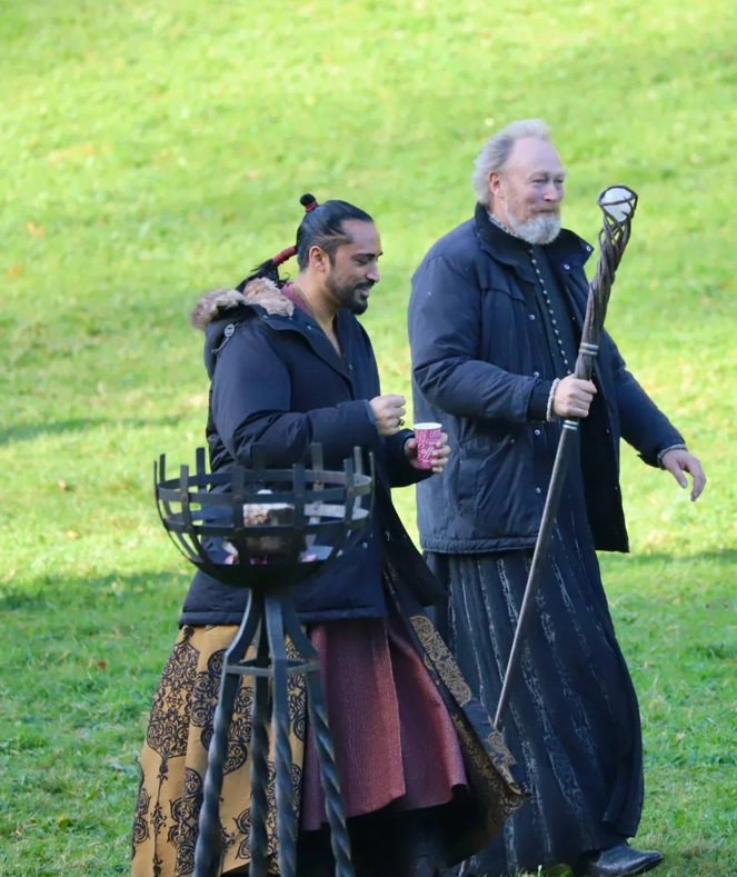 New photos from The Witcher set show Yennefer, Tissaia, Vilgefortz, Stregobor, Cahir, and zxc more